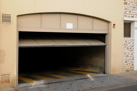 Why Is My Garage Door So Loud Nation Overhead Garage Door